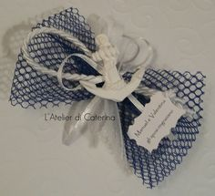 Wc Design, Wedding Favors For Guests, Decoupage, Burlap, Crafty, Wedding On The Beach, Party, Fabric Flowers, Hessian Fabric