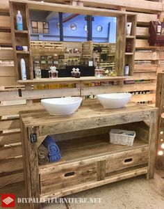 Large rustic furniture for the bathroom with pallets, which contains drawers, a shelf and the two valleys you can see. Also in September we can find a huge mirror with shelves. The… - Bathroom Decor Ideas Rustic Bathroom Designs, Rustic Bathroom Vanities, Rustic Bathrooms, Bathroom Ideas, Diy Pallet Furniture, Bathroom Furniture, Rustic Furniture, Porch Furniture, Farmhouse Furniture