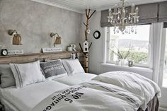 COM - very zen for a young man's bedroom -except the chandelier! Young Mans Bedroom, Home Bedroom, Bedroom Decor, Master Bedroom, Ideas Dormitorios, Living Styles, Beautiful Bedrooms, Home Furniture, Sweet Home