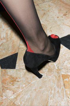 Strumpfhose von Fogal See my free NSFW blog dedicated to nylons, pantyhose, and stockings.  www.nylonland.com