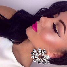 Make-up & earrings Flawless Makeup, Gorgeous Makeup, Love Makeup, Makeup Inspo, Makeup Inspiration, Beauty Makeup, Makeup Looks, Hair Beauty, Perfect Makeup