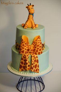 Baby giraffe cake