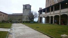 Castillomonterrei Sidewalk, Mansions, House Styles, Home Decor, Decoration Home, Manor Houses, Room Decor, Side Walkway, Villas