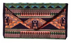 http://domodi.pl/torby-i-plecaki/kopertowki/summer-clutch-with-ikat-embroidery_2630201
