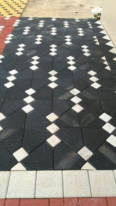 Paving Stone Patio, Paving Stones, Concrete Pathway, Paving Pattern, Garden Tiles, Paving Design, Porch Flooring, Modern Garden Design, Modern Landscaping