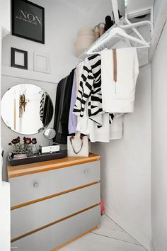Inbyggd garderob med bra förvaring
