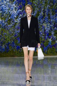 Christian Dior at Paris Fashion Week Spring 2016 - Runway Photos Spring Fashion, Fashion Show, Paris Fashion, Spring Summer 2016, Fall 2016, Christian Dior, Ready To Wear, Runway, My Style