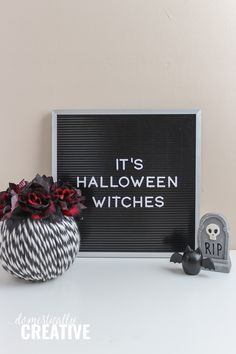 Get your Halloween decorating on with this easy to make DIY Halloween Yarn Pumpkin. You only need a few simple supplies! Halloween Yarn, Halloween Flowers, Halloween Pumpkins, Halloween Decorations, Pumpkin Crafts, Diy Pumpkin, Fall Crafts For Adults, Fall Pumpkins, Purple And Black