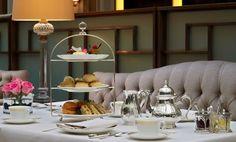 La chica de la casa de caramelo: Tomar el té en Londres