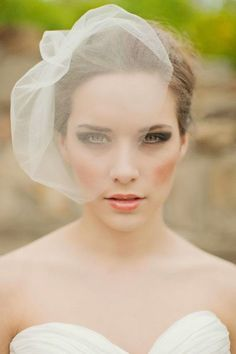 Small Wedding Veils for Fashionistas