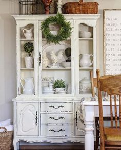 Put books inside and. Akron a book nook White China Cabinets, China Cabinet Painted, China Hutch Decor, Rustic China Cabinet, Corner China Cabinets, Buffet Hutch, Corner Hutch, China Cabinet Display, Curio Cabinets