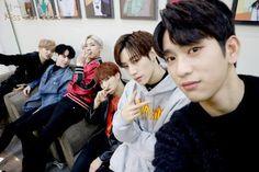 Youngjae, Yugyeom, BamBam, JB, Mark and Jinyoung//GOT7