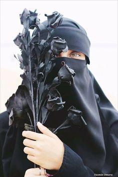 black doesn't mean it ugly.it just limited Hijab Niqab, Muslim Hijab, Hijab Outfit, Muslim Girls, Muslim Women, Niqab Fashion, Fashion Beauty, Islamic Girl, Face Veil
