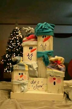 Creative Snowman DIY For Christmas Ornaments 1 image is part of Creative DIY Ideas Snowman for Christmas Ornaments gallery, you can read and see another amazing image Creative DIY Ideas Snowman for Christmas Ornaments on website Wooden Christmas Crafts, Noel Christmas, Christmas Signs, Christmas Projects, Winter Christmas, Holiday Crafts, Christmas Ornaments, Wood Ornaments, Christmas Tables