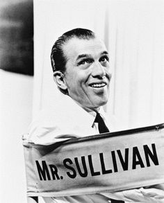 ED SULLIVAN Edward Vincent Sullivan. Photographed on the set of 'The Ed Sullivan Show. The Incredible True Story, Color Television, The Ed Sullivan Show, Late Night Show, Tv Presenters, Old Tv, Famous Faces, Famous Men, Classic Tv