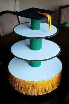 Easy to make cupcake stand. Blais Blais Dawn Miller for our tooth and b… Easy to make cupcake stand. Blais Blais Dawn Miller for our tooth and brain cupcakes? Graduation Party Planning, College Graduation Parties, Graduation Celebration, Graduation Decorations, Graduation Party Decor, Grad Parties, Graduation 2016, Graduation Gifts, Birthday Parties
