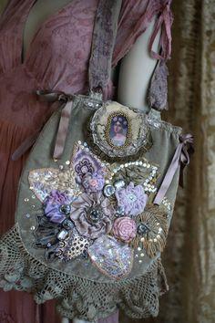 Moonlight garden whimsy purse with silk and satin di FleursBoheme