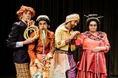 """Mestre da literatura nonsense, o pintor e escritor Edward Lear é a inspiração para a peça """"Fora do Bumbo – O Musical"""", em cartaz no Auditório Cultura Inglesa-Higienópolis, nos dias 9 (em dois horários, às 15h e as 17h) e 10 de junho (às 16h) , com entrada Catraca Livre."""