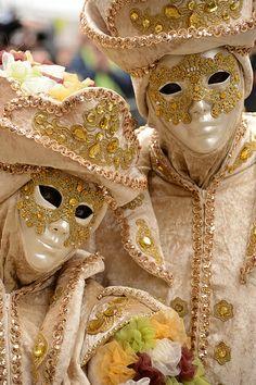 Carnaval in Venice 2014 Venice Carnival Costumes, Venetian Carnival Masks, Carnival Of Venice, Rio Carnival, Venetian Costumes, Boris Vallejo, Royal Ballet, Edgar Allan Poe, Dark Fantasy Art