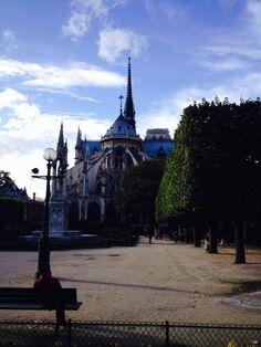 Fachada posterior Notre Dame - Paris - Foto: Arquiteta Cláudia F. Ferreira