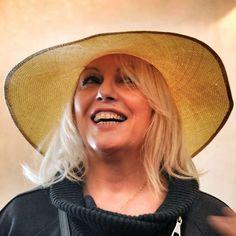 Bellissima questa cliente dal sorriso sempre pronto!  #livorno #hat #bolero #cloche #moda #ragazza #tuscany #sea #onde #spiaggia #cappelli #cappello #paglia #bolero #instaitaly #instaitaly_photo #instaitalian #fascinator #instagood #instadaily #instalike #madeinitaly #arte #artigianato #artigianale