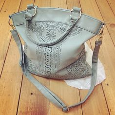 """""""<><><> Sears Woodfield Mint, one of my favorites... This Tote by Seventeen @sears  #fashion #style #stylish #purse #seventeenmag #shopping #fashionblogger…"""""""