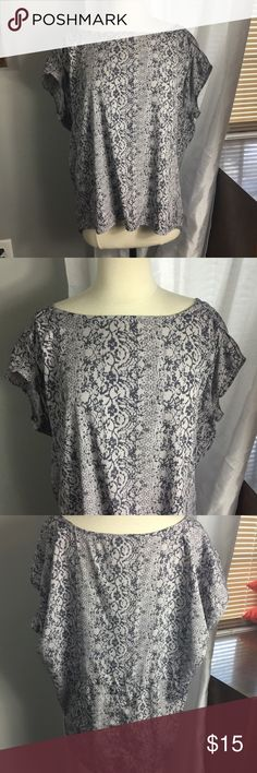 Converse One Star Grey Patterned Top Great condition! Looks brand new! Very flattering Converse Tops Blouses
