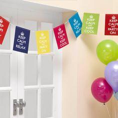 Un precioso banderín para decorar tu fiesta, tu habitación, tu oficina... De www.fiestafacil.com, €9.95 / A fun decoration for your party, your bedroom, your office... From www.fiestafacil.com