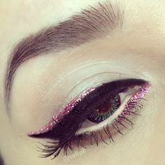 Pink sparkly eyeliner. Repin by Inweddingdress.com #beauty #makeup