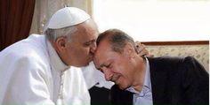 """TAYYİP ERDOĞAN'IN SARAYININ İLK ZİYARETÇİSİ, """"ŞEREF"""" KONUĞU VE ÖPEREK TAYYİP'İ KUTSAYAN BÜYÜK DOSTU PAPA: """"TÜRKLER SOYKIRIMCI"""" """"Ey iman edenler! Yahudileri ve Hıristiyanları dost edinmeyin. Zira onlar birbirinin dostudurlar (birbirinin tarafını tutarlar). İçinizden onları dost tutanlar, onlardandır. Şüphesiz Allah, zalimler topluluğuna yol göstermez."""" Maide Suresi, 51.  https://www.facebook.com/gencturklerizbiz  #siyaset #politika #haber #yeni #gundem #papa #tayyip #tayyiperdogan #soykırım"""