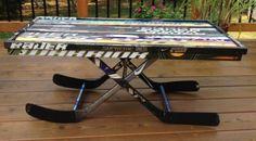Hockey Stick Crafts, Hockey Sticks, Diy Pallet Projects, Wood Projects, Nhl, Dek Hockey, Goalie Stick, Hockey Bedroom, Hockey Decor