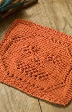 Lacy Jack-O-Lantern Dishcloth Free Knitting Pattern from Red Heart Yarns