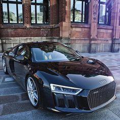 the new R8 V10