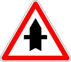 Signaux d'intersection et de priorité