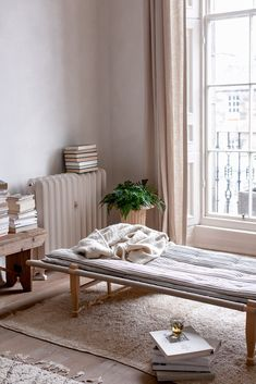 daybed with stack of mattresses