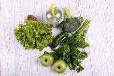Diéta-alapok pajzsmirigy-alulműködés esetére - Netamin Alternative Medicine, Smoothie, Coconut, Food, Tables, Mother In Law, Book, Green, Smoothies