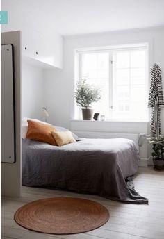 BED AROUND THE CORNER
