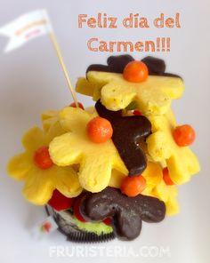 """A todas nuestras """"Carmen"""" Carmina, Carmela, Carmiña, Mamen, Maica, Maria del Carmen, Carme, Carmine. Les deseamos un Feliz Día!!!! #santo #ramodefrutas"""