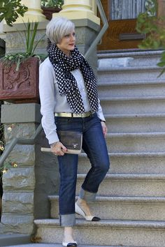 I'm such a sucker for cuffed jeans and cute flats.. here, here... and wahoo!  I already own this scarf.