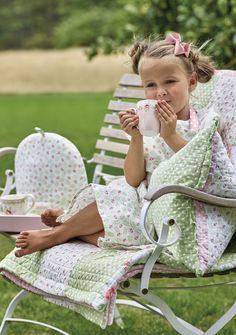 Die zarten Farben der neuen Greengate Kollektion machen Lust auf den Frühling! Picnic Blanket, Outdoor Blanket, Trends, Inspiration, Spring, Design, Colors, Biblical Inspiration