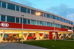 Grupo Gandini inaugura nova sede da Kia em Montevidéu  Importadora oficial e fabricante do caminhão leve Bongo, o Grupo Gandini inaugurou a nova sede da Kia Motors no Uruguai, em Montevidéu.
