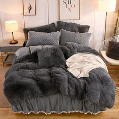 Softy Dark Gray Bed Set Tapestry Girls Softy Bed Sets are the type of decor that any cozy room should be equipped with! Room Ideas Bedroom, Bedroom Decor, Dark Grey Bedding, Gray Bed Set, Bedroom Comforter Sets, Queen Bedding Sets, Fluffy Bedding, Cozy Room, Dark Cozy Bedroom