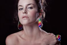Colorful jewelry by Wix user & jewelry designer RocíoVergara Bolbarán, founder of Formas Ag