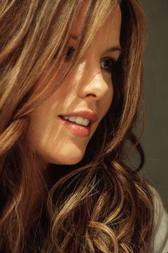 Kate Beckinsale - Beautiful Women with Amazing Long Hair.
