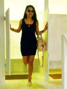 Outfit der Woche! Kleid: Vila - Sonnenbrille: Only – Espadrilles: Toms – Tasche: Liebeskind – Kette: Pieces #fashion #ootw