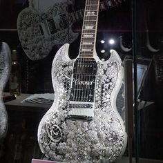 A guitar worth 4 millions USD, sponsored by Gibson brand.
