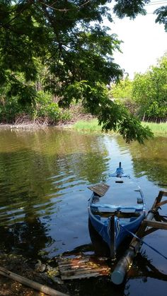 Ketika perahu semakin lama semakin tenggelam