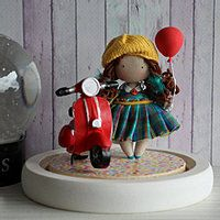 This night light with a pretty little doll makes adults and children dream! The little world under the glass bell presents a handmade fabric doll with a red balloon in her hand and a little red scooter next to it. Glass display dome . Stable, adjustable wooden base to stand delicately miniature dolls. With a removeable protection glass bell jar. This cloche Glass display Cases done to preserve this lovely mini doll scene. Their skin and the lacy dresses will stay fresh, dust and smoke free!