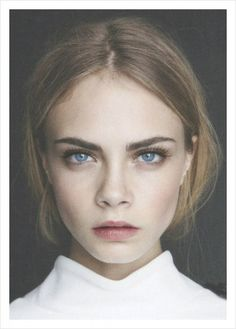 Cara Delavigne - eyebrow perfection!