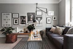 A Scandinavian home with grey walls & an industrial touch (Vosgesparis) Scandinavian Living, Scandinavian Home, Living Room Scandinavian, Interior Design Inspiration, Home, Interior, Grey Walls, Home Decor, Living Room Designs